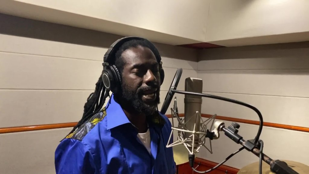 "Buju Banton Delivers Inspirational ""All Will Be Fine"" Performance!"